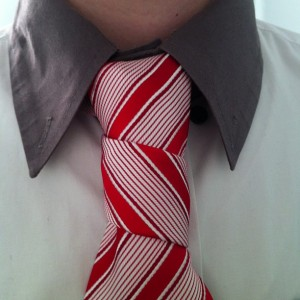 floating spiral knot with a royaltailors.ru candy cane red and white tie