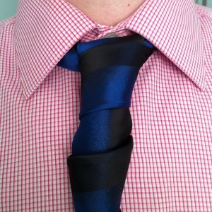 glennie double necktie knot with www.mentiesshop.com tie verticle design half blue half black