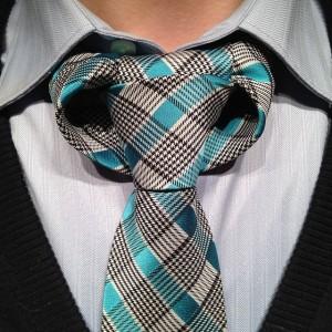 taurus-necktie-knot