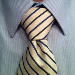How To Tie A Pratt Knot (Shelby Knot) | Ties.com